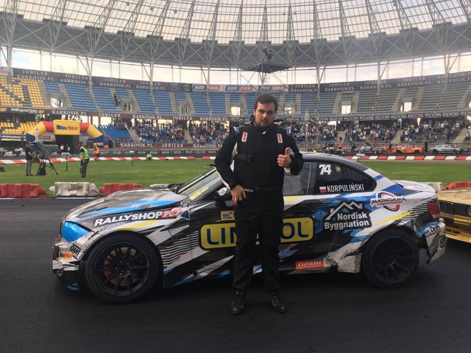 Pawel Korpulinski under Drift Masters Grand Prix i Toruń. Foto från Drift Masters Grand Prix.